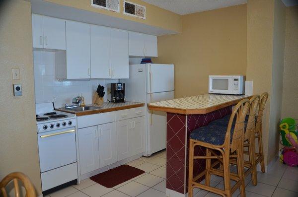 5-hawaiian inn resort kitchen