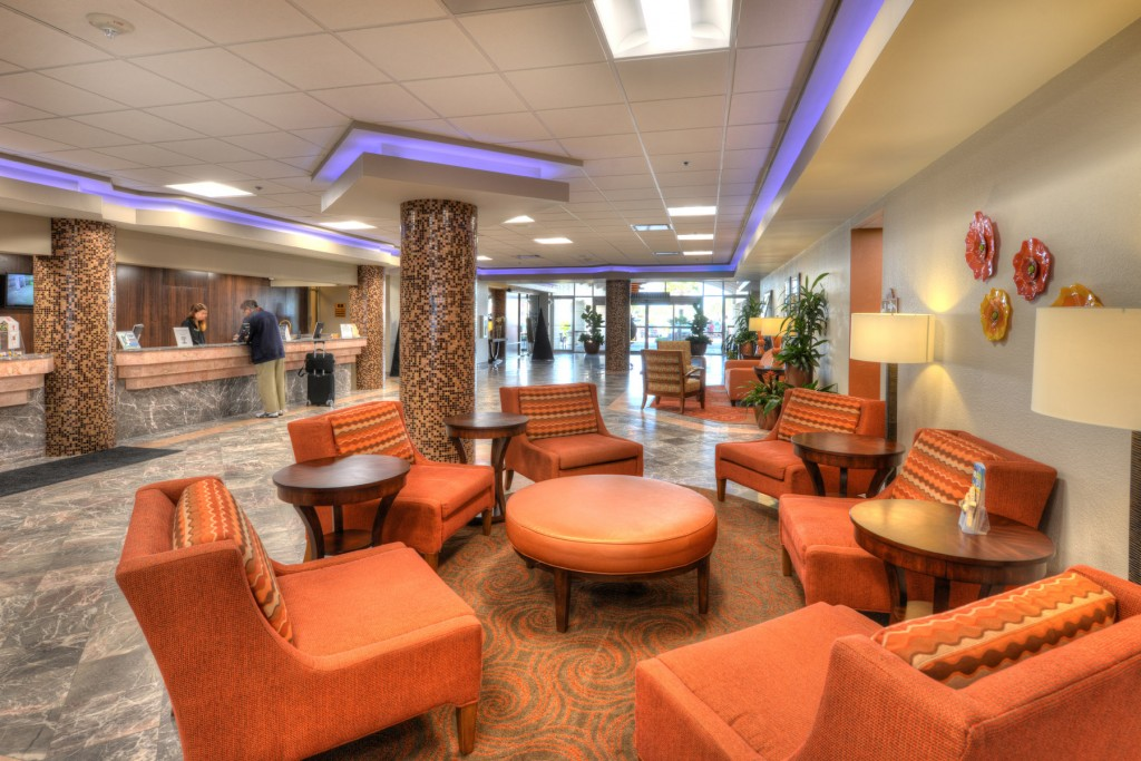 Daytona Beach Resort  Lobby looks like new