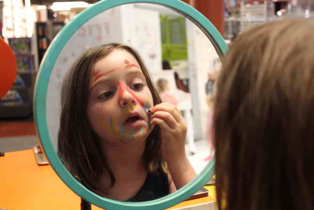 Minnesota Children's Museum Face Painting