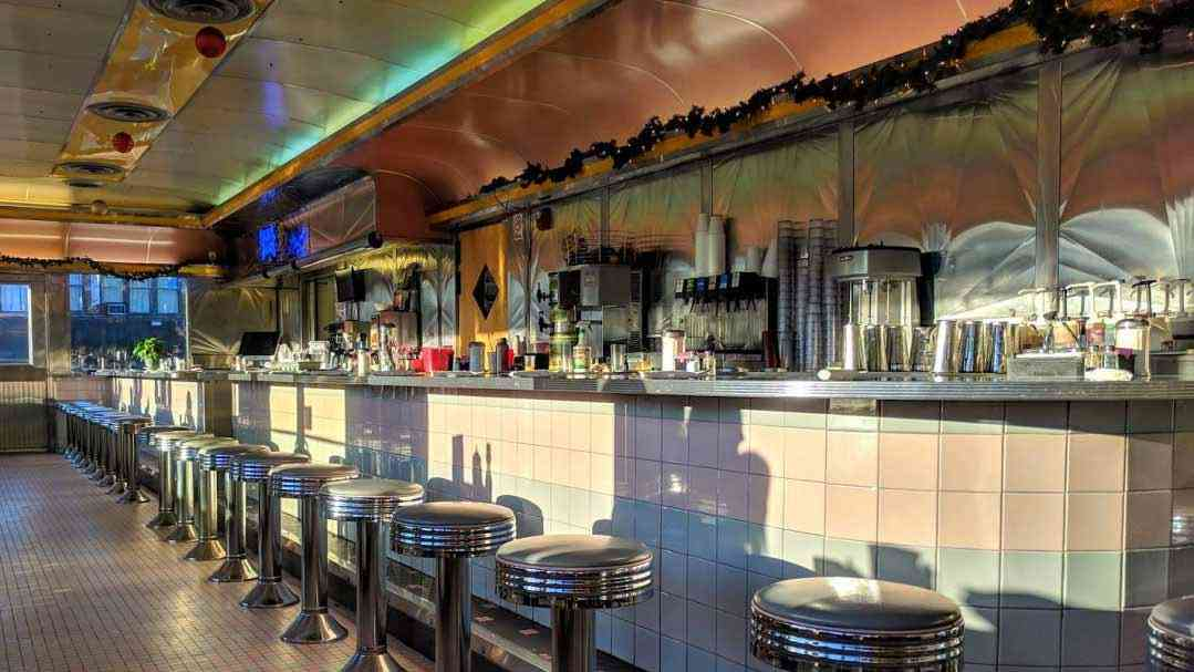 "6 Authentic ""Dining Car"" Diners Around Rochester"