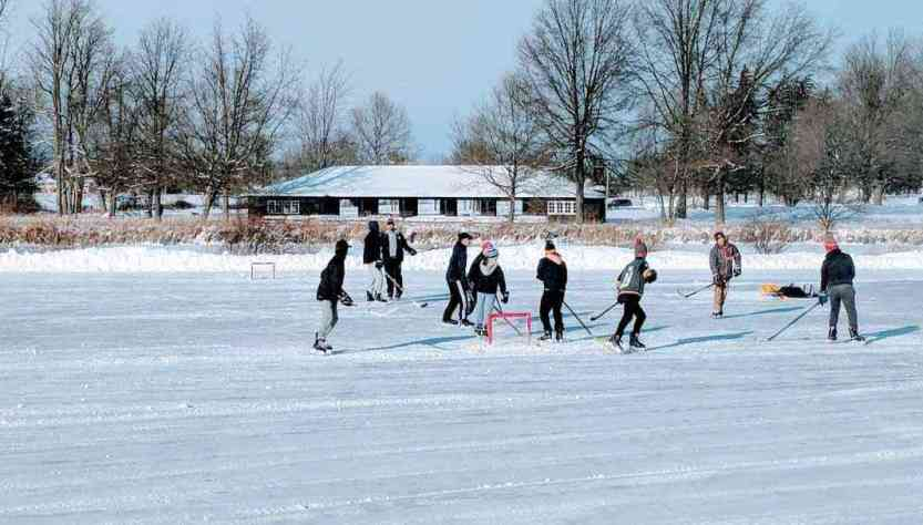 19 Outdoor And Indoor Ice Skating Rinks Around Rochester Day Trips