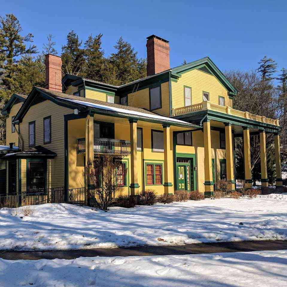 Letchworth Glen Iris Inn winter