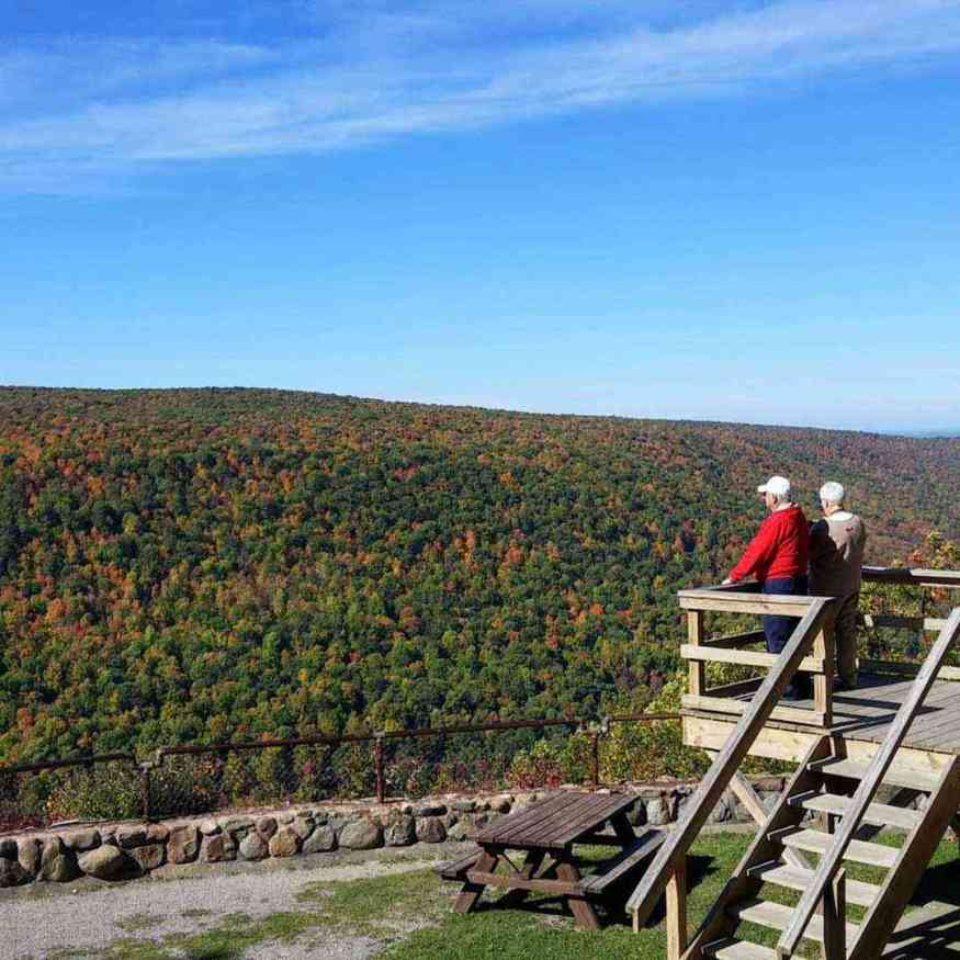Canandaigua Lake: Jump Off Trail on Gannet Hill in Ontario County Park