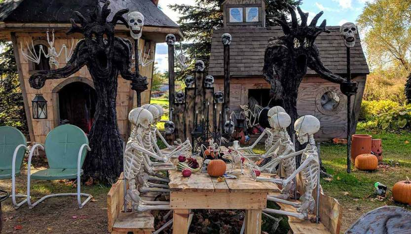 Roadside Attractions Skeleton Army Canandaigua