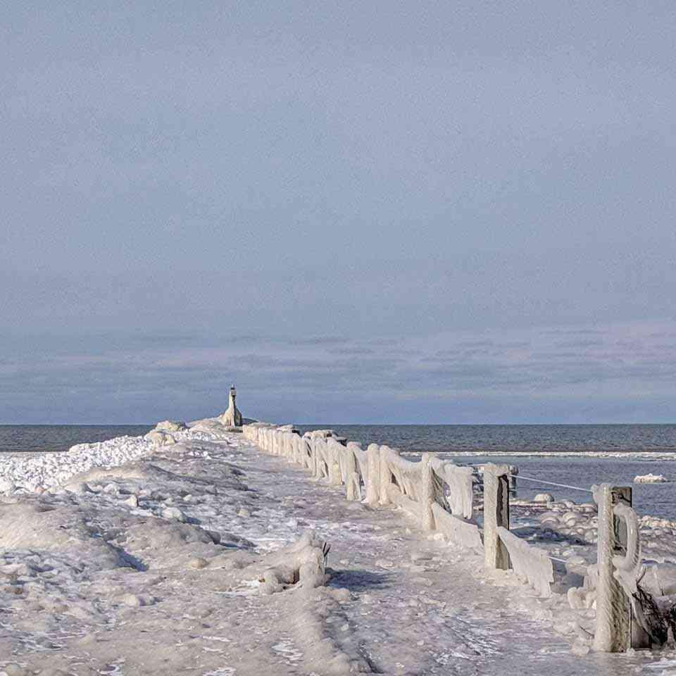 Webster Park Pier frozen