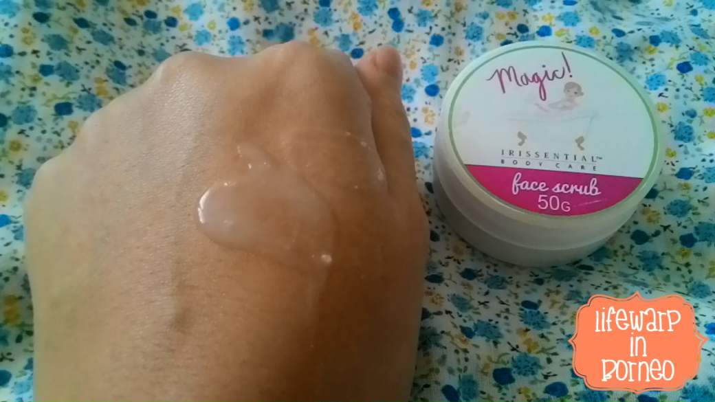 Watery and lightweight face scrub with rosy scent.