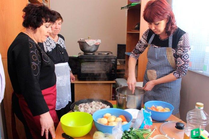 Zusammen kochen, essen und genießen