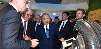 Нурсултан Назарбаев и Франк-Вальтер Штайнмайер совместно ознакомились с павильонами двух стран