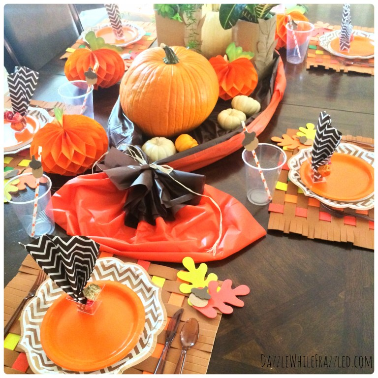 How to create an easy clean-up Thanksgiving table | DazzleWhileFrazzled.com
