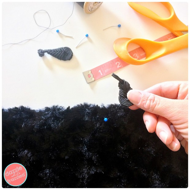 Make a dressy black faux fur wrap with fleece lining for cool nights | DazzleWhileFrazzled.com