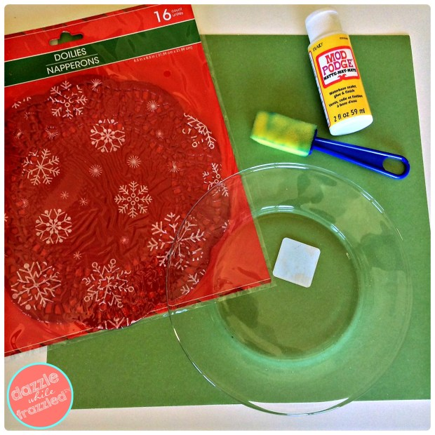 DIY Christmas cookie plate using dollar store supplies | DazzleWhileFrazzled.com