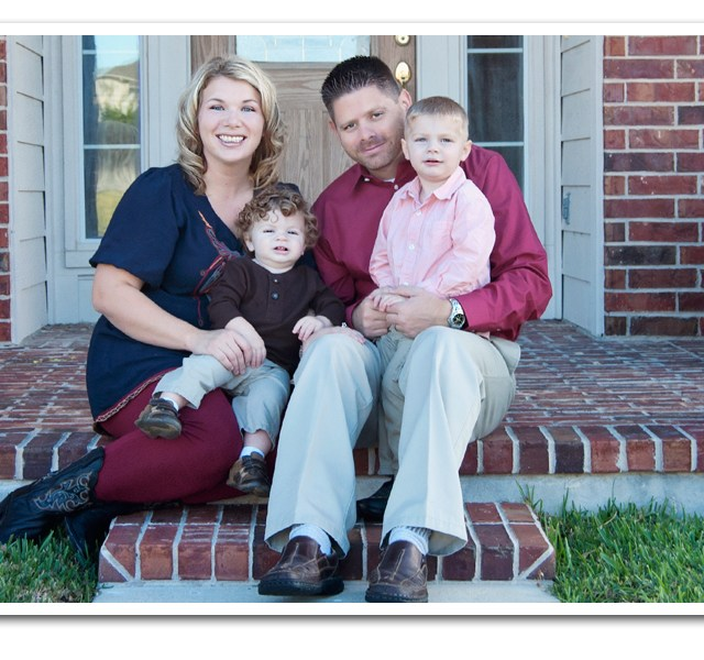 10 questions to ask when hiring a family portrait photographer | Dazzling Light Photography | Round Rock, TX | Family Portrait Photographer