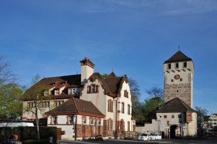 Resultado de imagen de sede de los tiradores de la policía de Basilea.