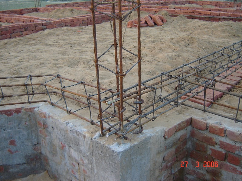 Building concrete foundation pillar for Concrete pillars for foundation