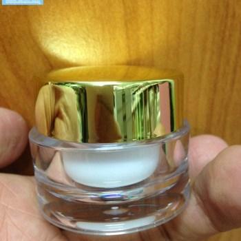 กระปุกอะคริลิค10กรัม โปร 10 บาทสวยๆ k0342-10ml ขาวฝาทองเงา