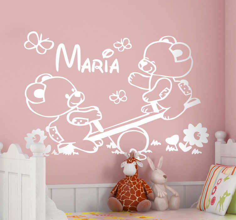 Scegli la scritta che preferisci, e trasformala in un adesivo murale con il nome del tuo bimbo. Adesivo Personalizzato Nome Orsetti Altalena Tenstickers