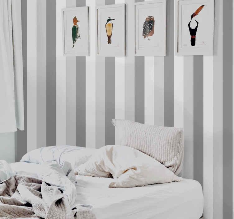 A cominciare dalle righe verticali, usate di solito in stanze come il salotto, capaci di conferire alle pareti un aspetto più slanciato e di. Carta Da Parati Verticale A Righe Verticali Grigia Tenstickers