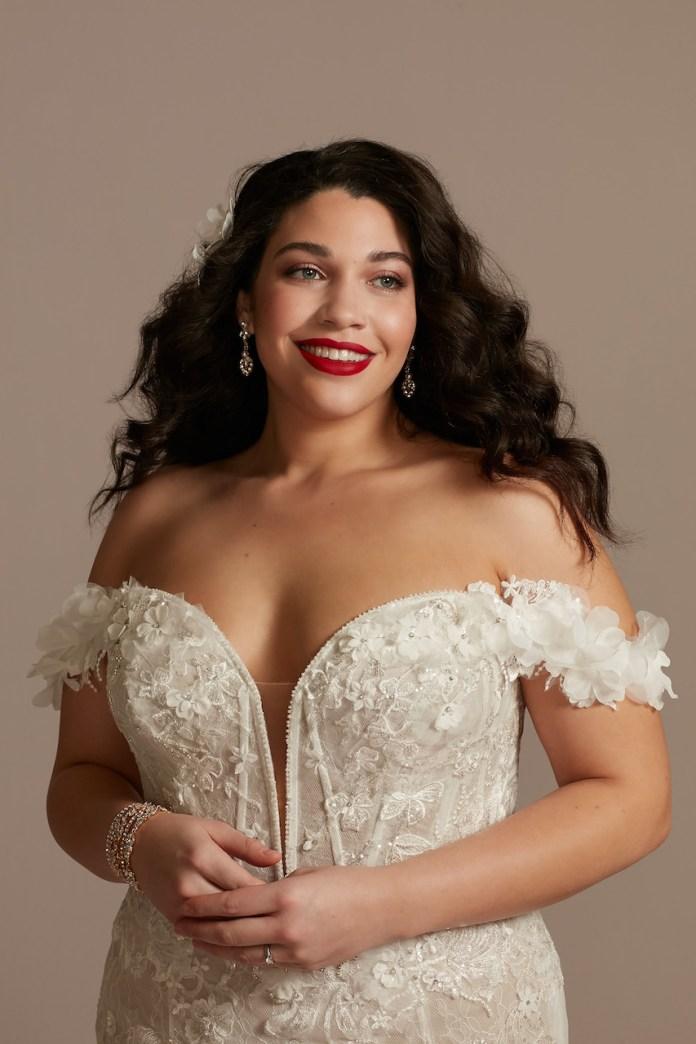 Bride wears 3D floral appliqué diving bodysuit wedding dress