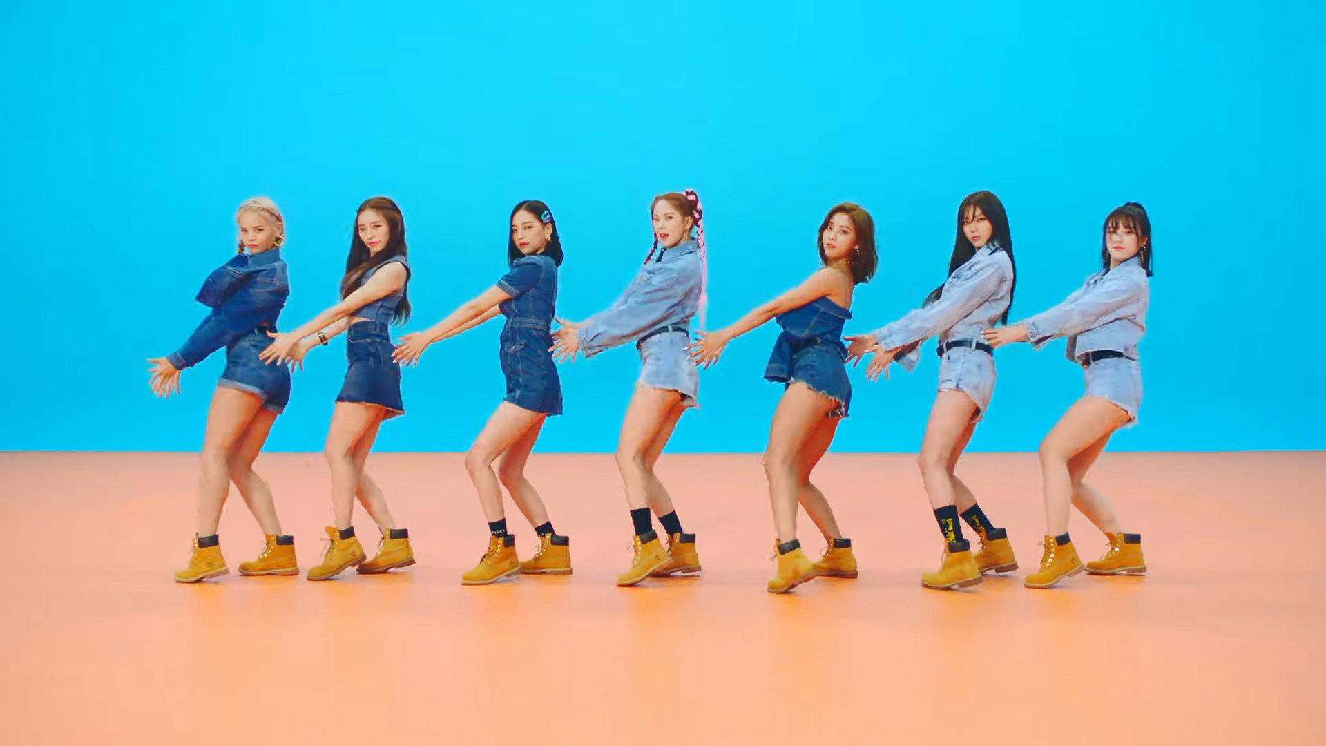 Shinee Dream Girl Wallpaper Clc Devil Mv Teaser 2 Screencaps K Pop Database Dbkpop Com