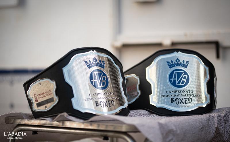 Cinturones CV Welter femenino y Superpesados masculino