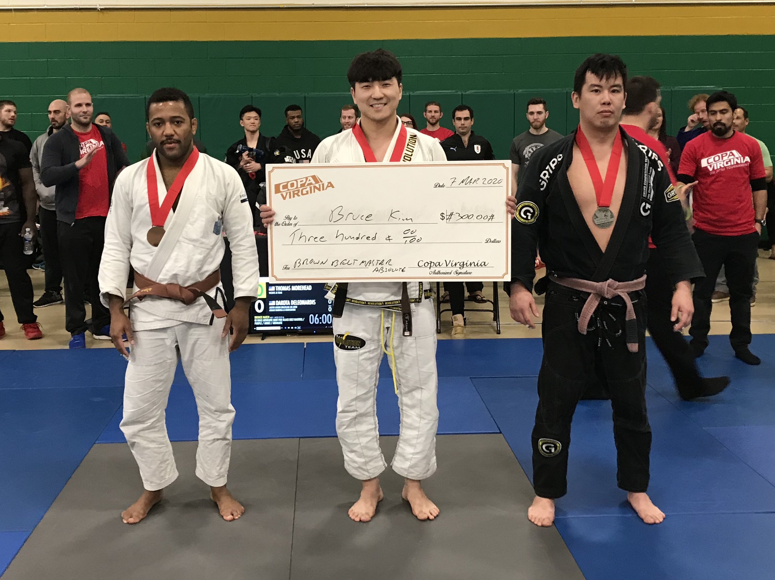 Yoon winning one of the cash-prize divisions once again!