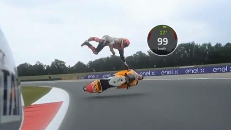 Marc Márquez sufrió una violenta caída a 130 km/h y se enfureció con su equipo