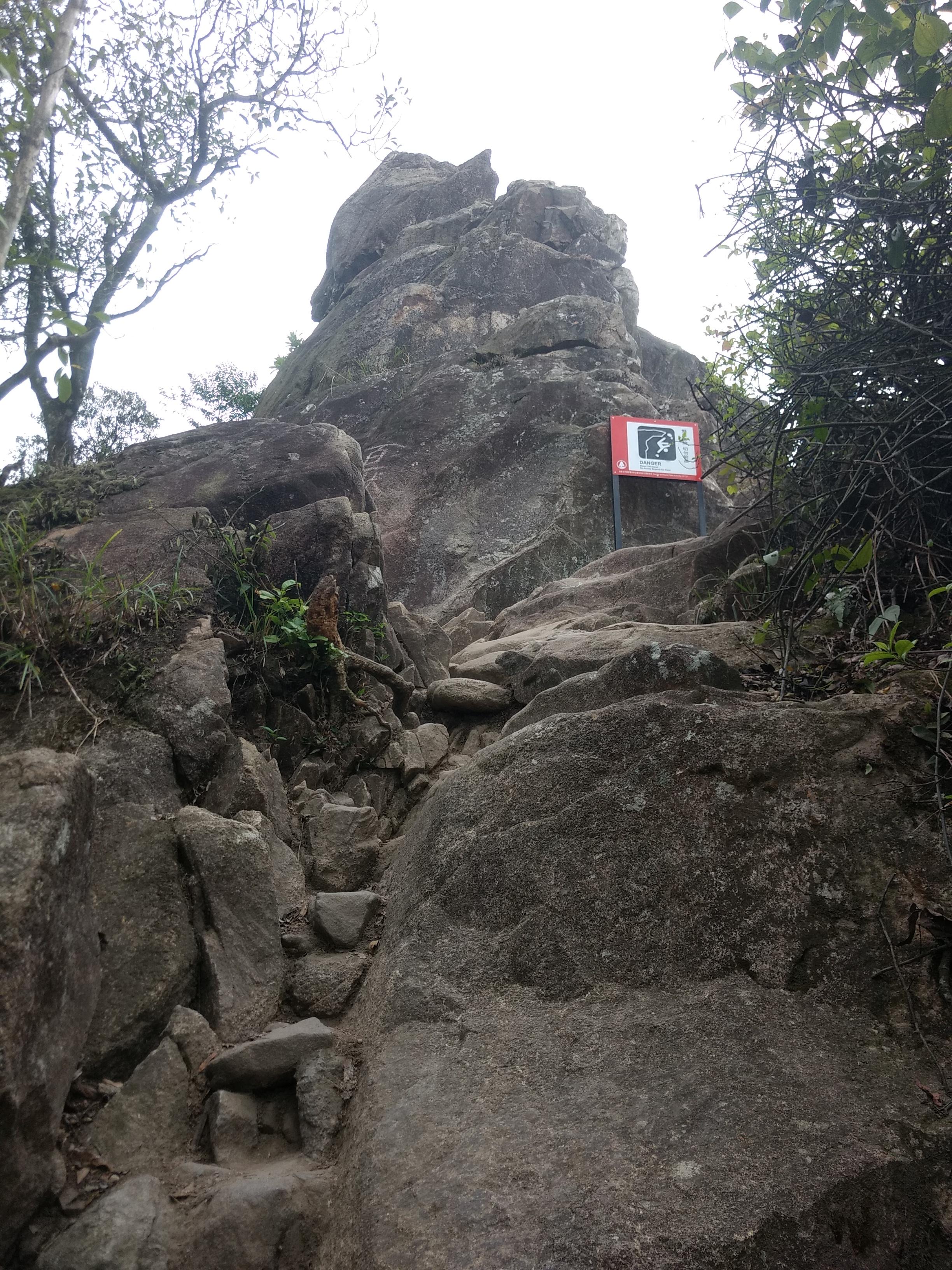 行山 – 獅子山和望夫石 Hiking – Lion Rock and Amah Rock | Random Chatter