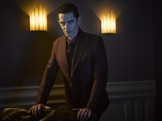 Gotham_Season2_01