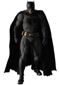 MAFEX-BvS-Batman-001