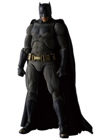 MAFEX-BvS-Batman-002