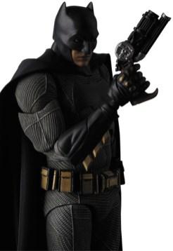 MAFEX-BvS-Batman-006