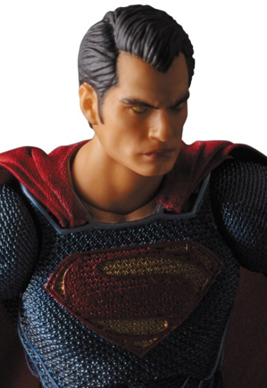 MAFEX-BvS-Superman-006