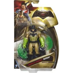 BVS_6_Batman_Kryptonite_Gauntlet_03