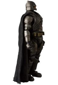 MAFEX_Armor_Batman_03