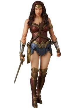 MAFEX_Wonder_Woman_02