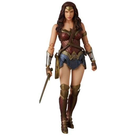 MAFEX_Wonder_Woman_07