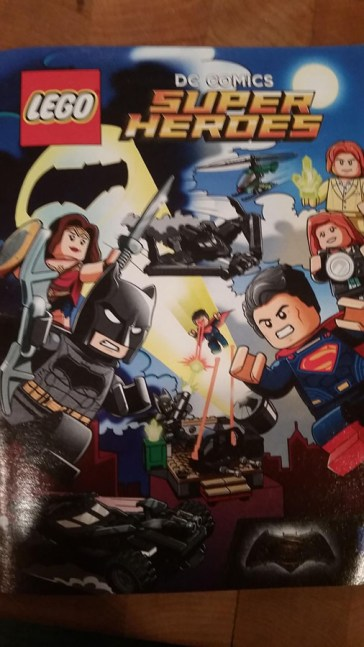 BVS_LEGO_Comic_Book_01