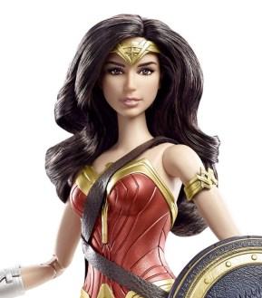 Wonder_Woman_Barbie_Doll_02