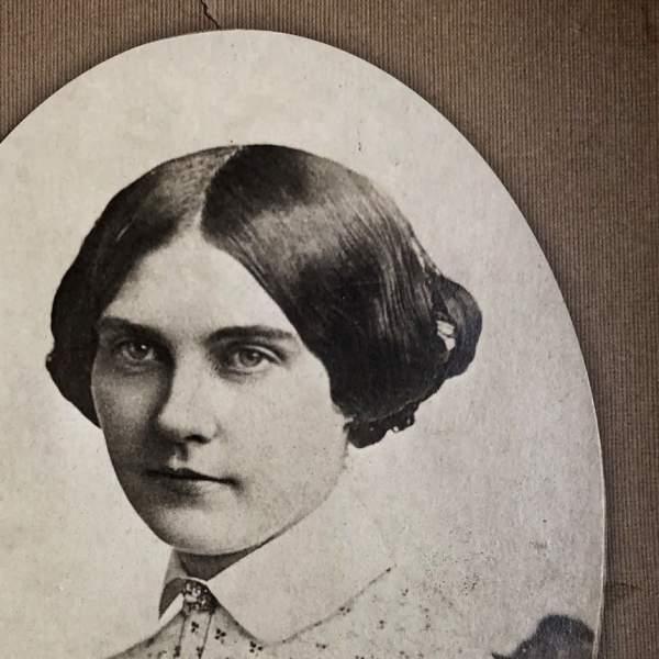 JULIA DEAN, ACTRESS