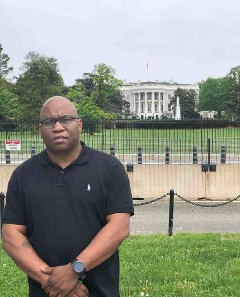 White House X