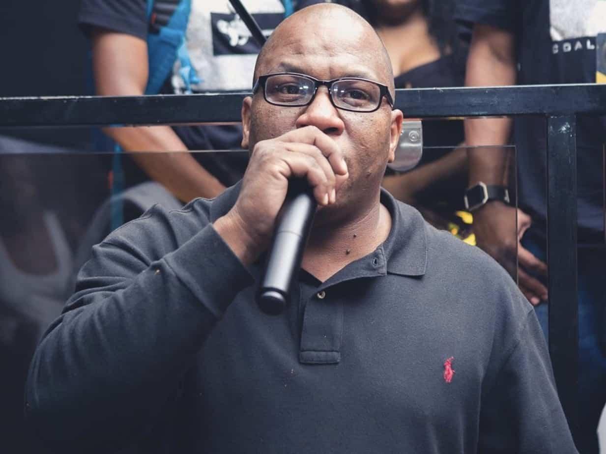 Big X on the mic