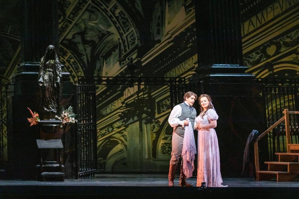 A Dramatic 'Tosca' Mesmerizes. Enchants at the Virginia Opera - DC Metro Theater Arts