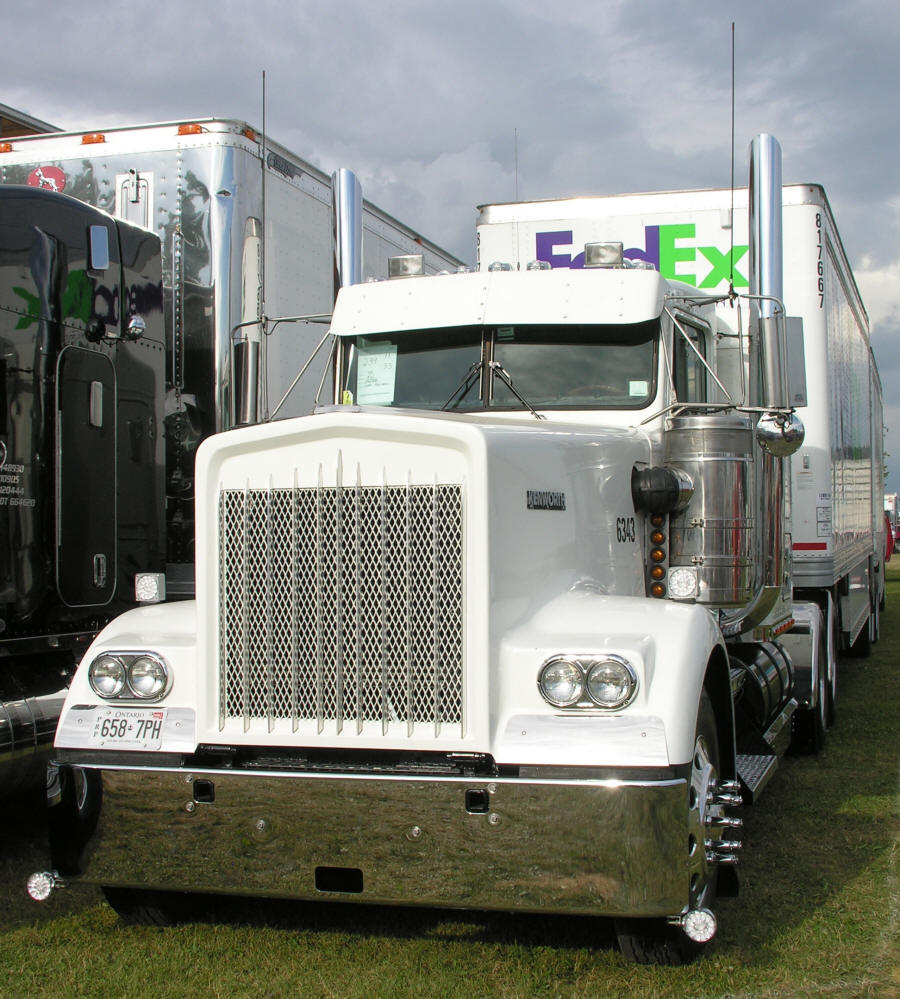 hight resolution of early kenworth aerocab exhaust layout