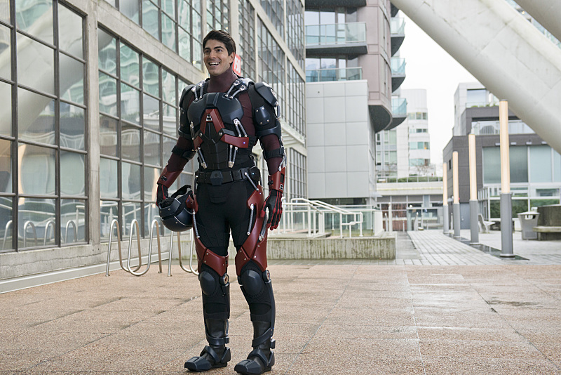 """The Flash -- """"All Star Team Up"""" -- Image FLA118A_0129b -- Pictured: Brandon Routh as Ray Palmer / The Atom -- Photo: Cate Cameron/The CW -- © 2015 The CW Network, LLC. All rights reserved."""