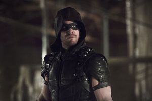 "Arrow -- ""Legends of Yesterday"" -- Image AR408B_0270b.jpg --  Pictured: Stephen Amell as The Arrow -- Photo: Katie Yu/ The CW -- © 2015 The CW Network, LLC. All Rights Reserved."