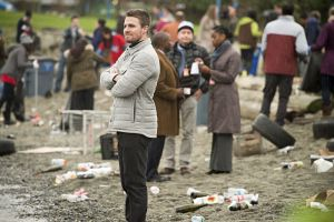 """Arrow -- """"Dark Waters"""" -- Image AR409A_0010b.jpg -- Pictured: Stephen Amell as Oliver Queen -- Photo: Diyah Pera/ The CW -- © 2015 The CW Network, LLC. All Rights Reserved."""