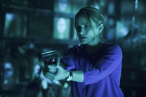 """The Flash -- """"Running to Stand Still"""" -- Image: FLA209A_0261b.jpg -- Pictured: Shantel VanSanten as Patty Spivot -- Photo: Cate Cameron/The CW -- © 2015 The CW Network, LLC. All rights reserved."""