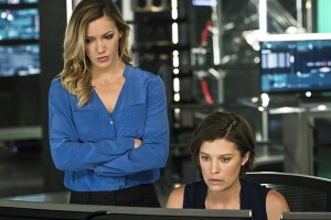 """Arrow -- """"A.W.O.L."""" -- Image AR411A_0222b2.jpg -- Pictured (L-R): Katie Cassidy as Laurel Lance and Audrey Marie Anderson as Lyla Michaels -- Photo: Liane Hentscher/ The CW -- © 2016 The CW Network, LLC. All Rights Reserved."""