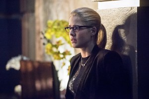 """Arrow -- """"Beacon of Hope"""" -- Image AR417b_0022b.jpg -- Pictured: Emily Bett Rickards as Felicity Smoak -- Photo: Dean Buscher/The CW -- © 2016 The CW Network, LLC. All Rights Reserved."""