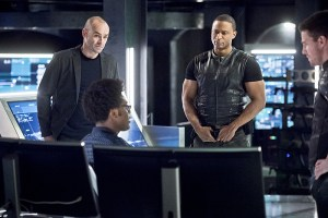 """Arrow -- """"Beacon of Hope"""" -- Image AR417a_0034b.jpg -- Pictured (L-R): Paul Blackthorne as Detective Quentin Lance, Echo Kellum as Curtis Holt, David Ramsey as John Diggle and Stephen Amell as Oliver Queen -- Photo: Dean Buscher/The CW -- © 2016 The CW Network, LLC. All Rights Reserved."""